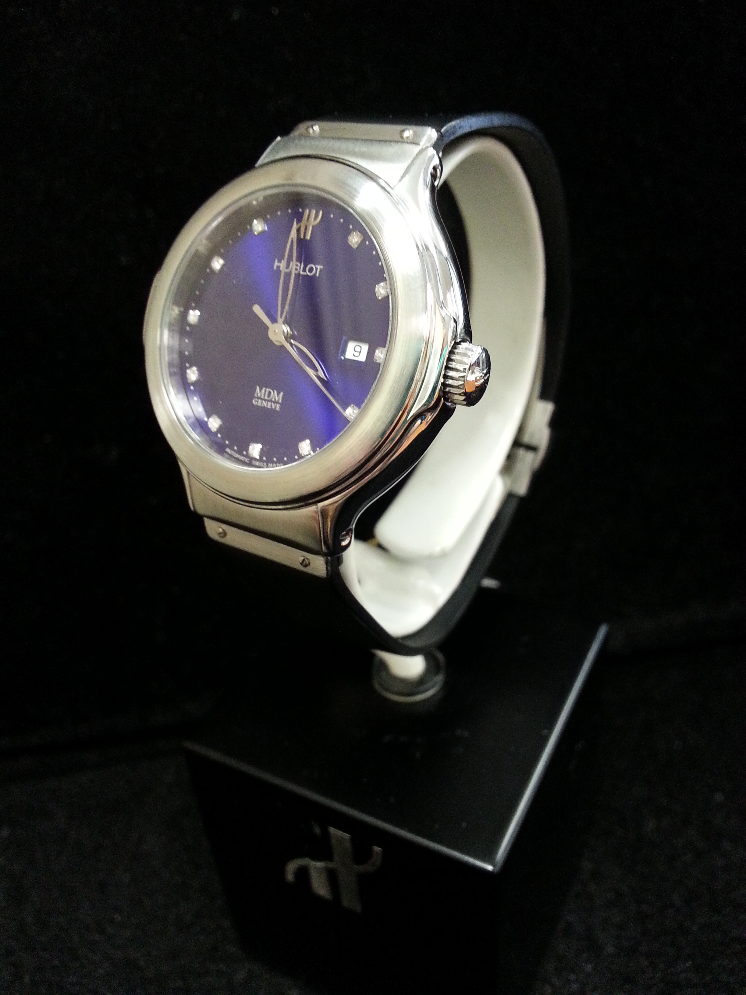 Estate Lady's Hublot: Estate Lady's Midsize Hublot Stainless Steel Automatic with Blue Diamond Dial on Rubber Strap.