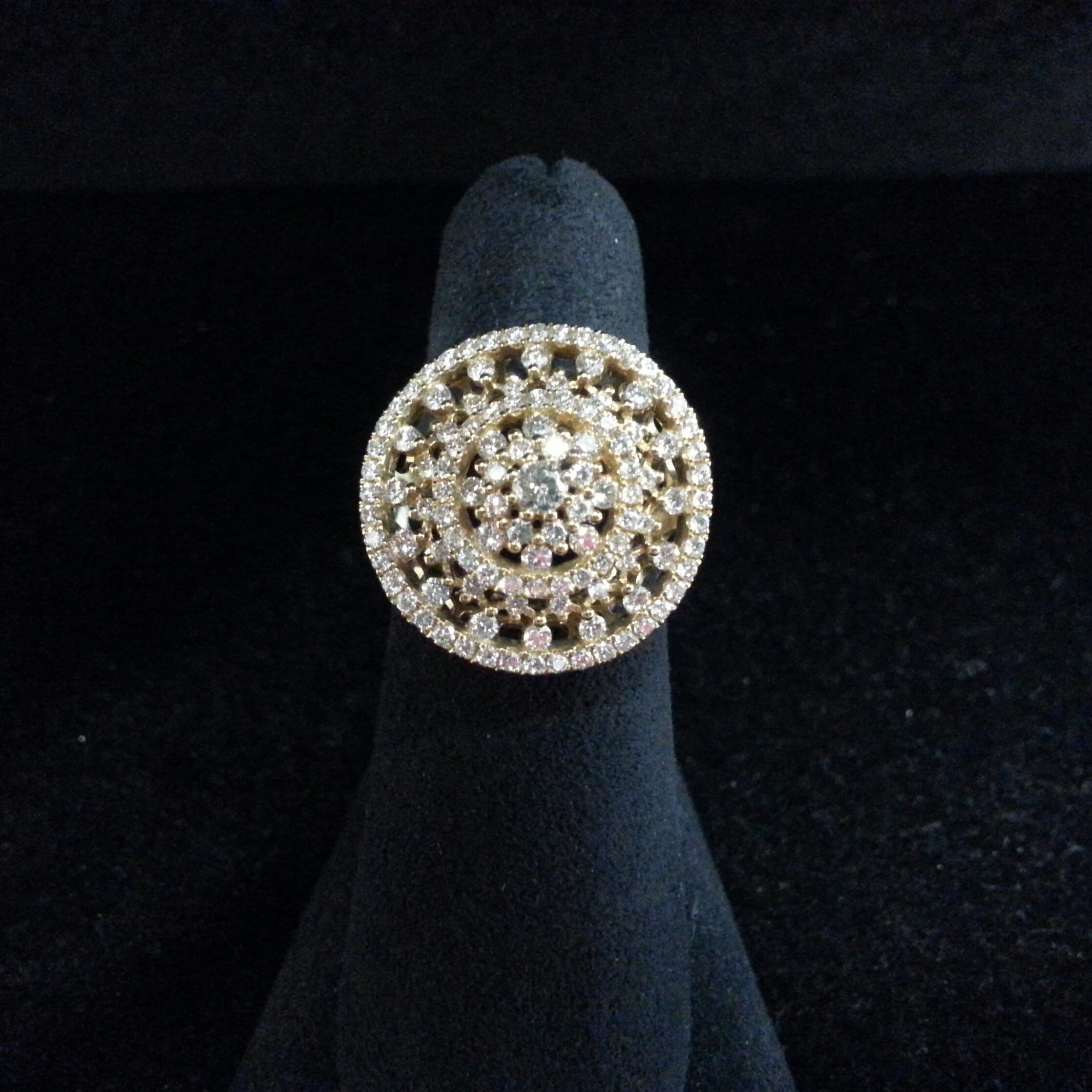 18k Yellow Gold Memoire Diamond Glitter Ring. 1.25ctw of Diamonds.